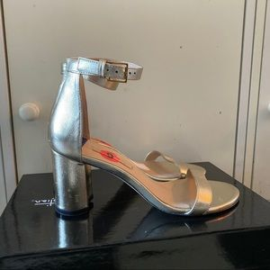 NWD Stuart Weitzman gold block heels size 6